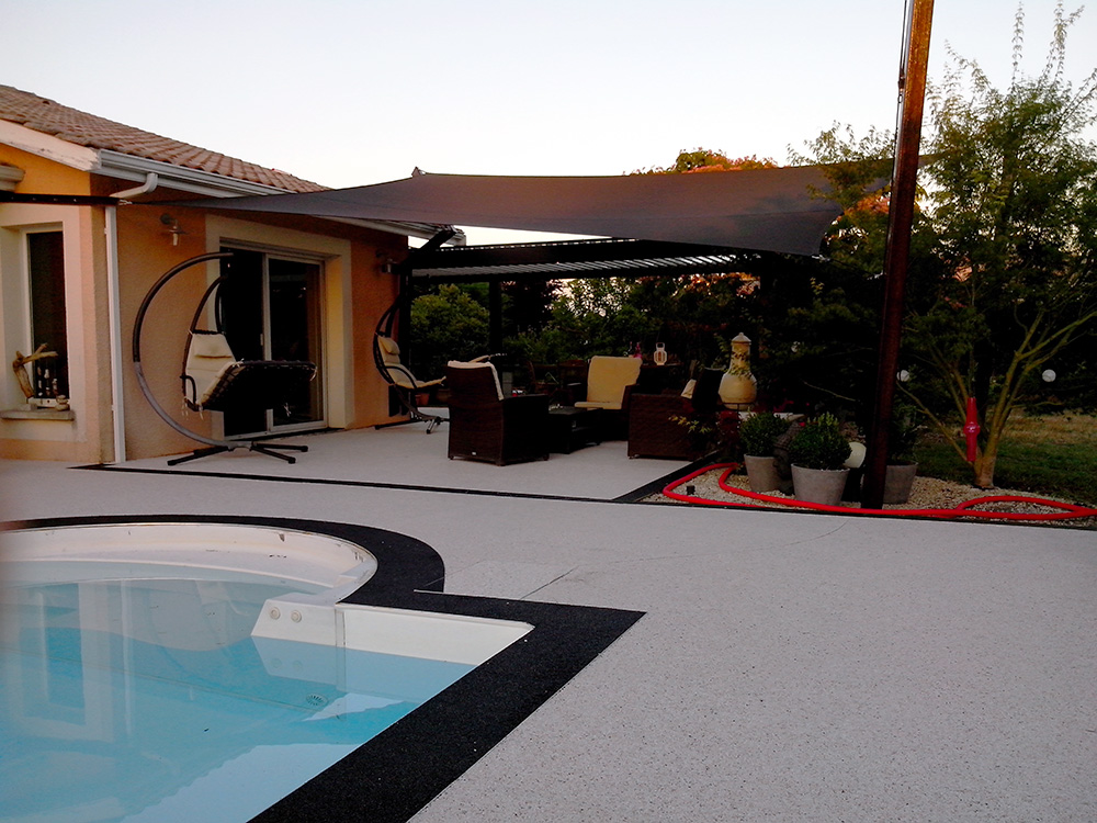 Piscine rev tement moquette de pierre resiway - Revetement ideal pourtour de piscine ...