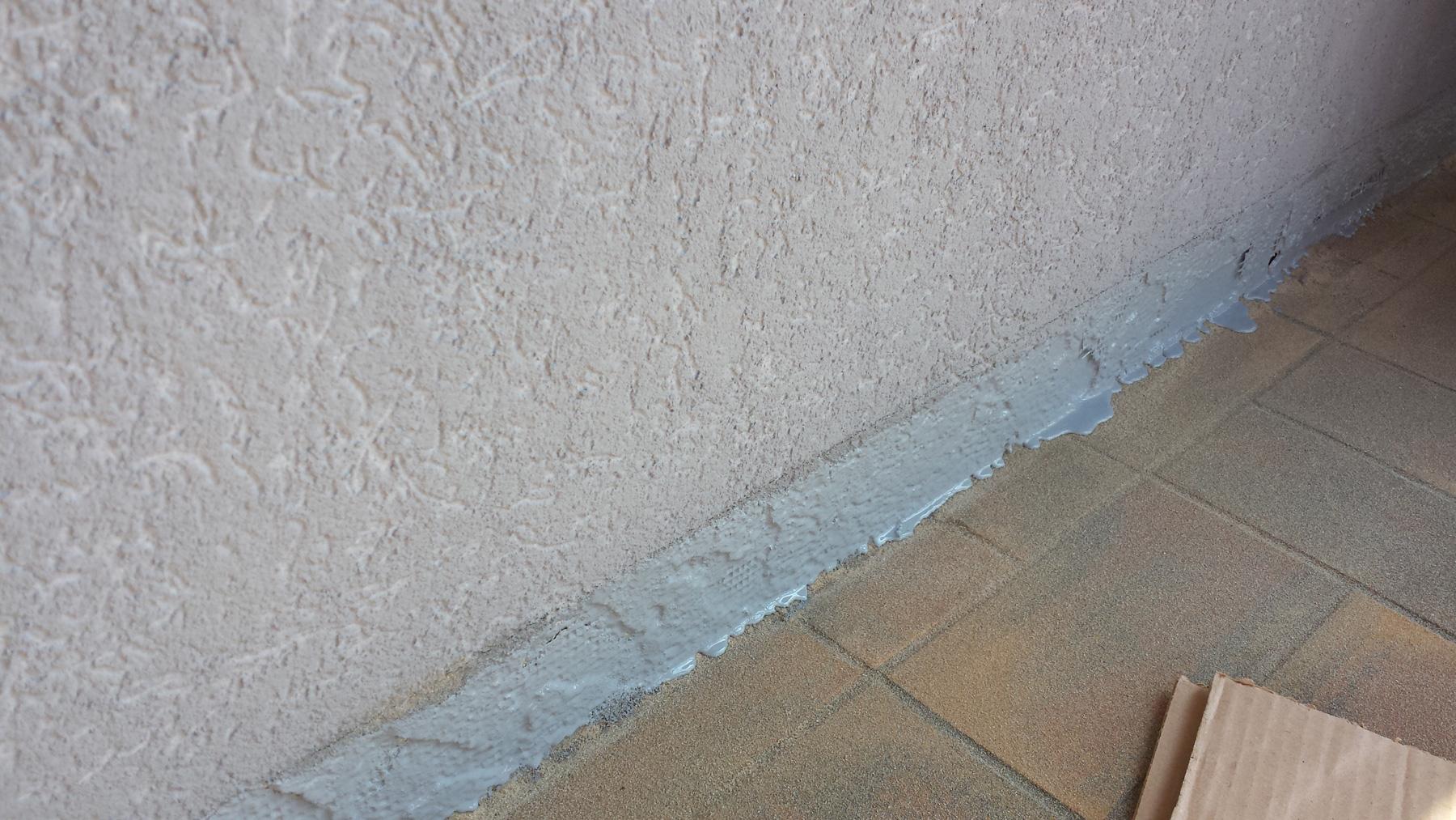 troesch - moquette pierre entrée maison - 02