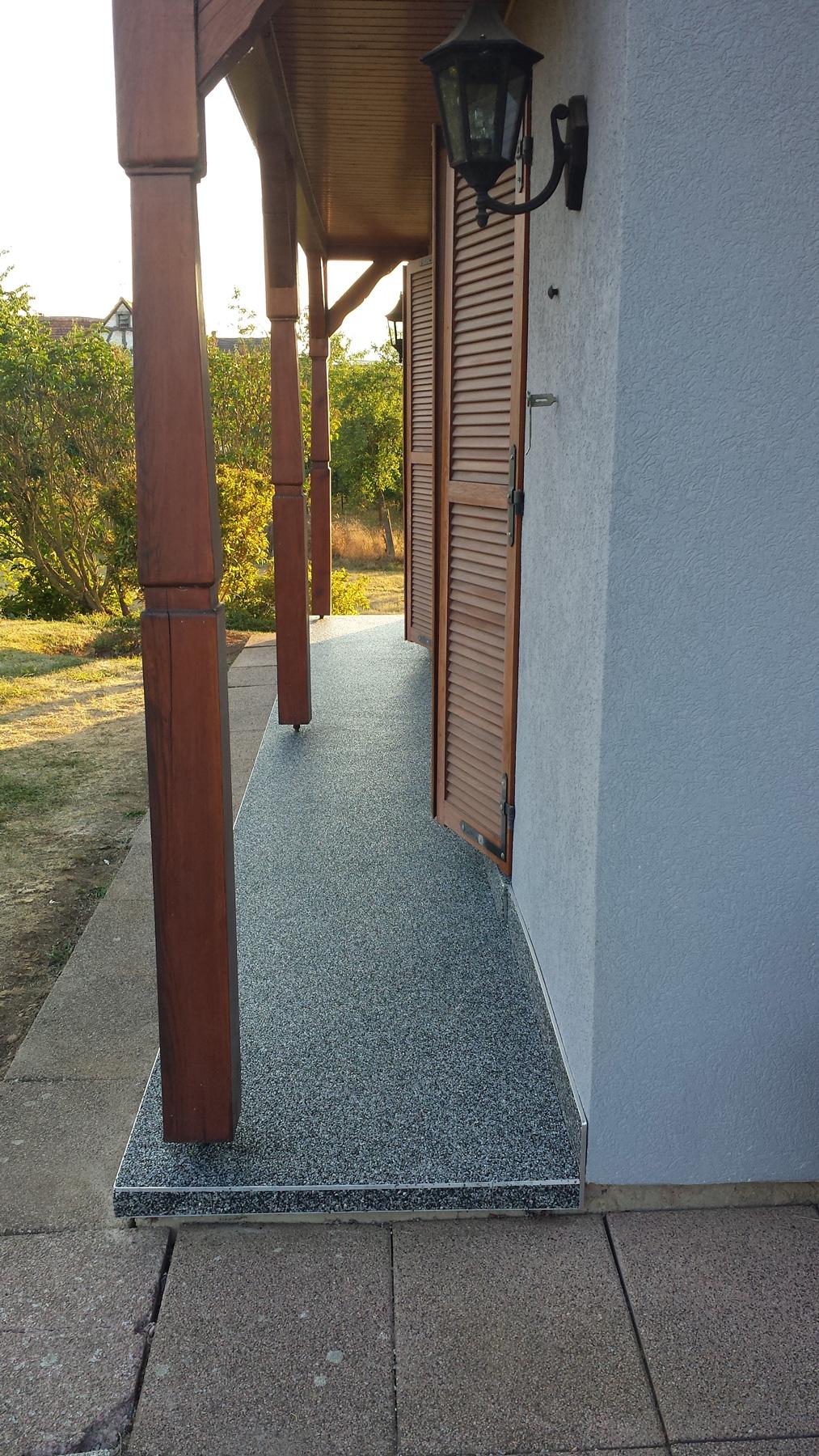 troesch - moquette pierre entrée maison - 10