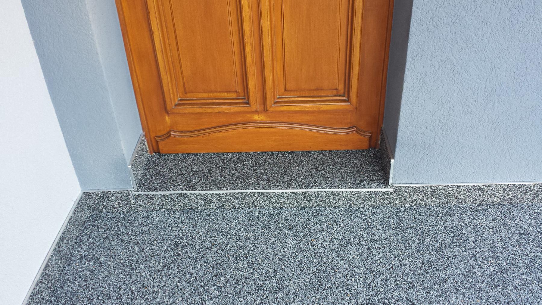 troesch - moquette pierre entrée maison - 11