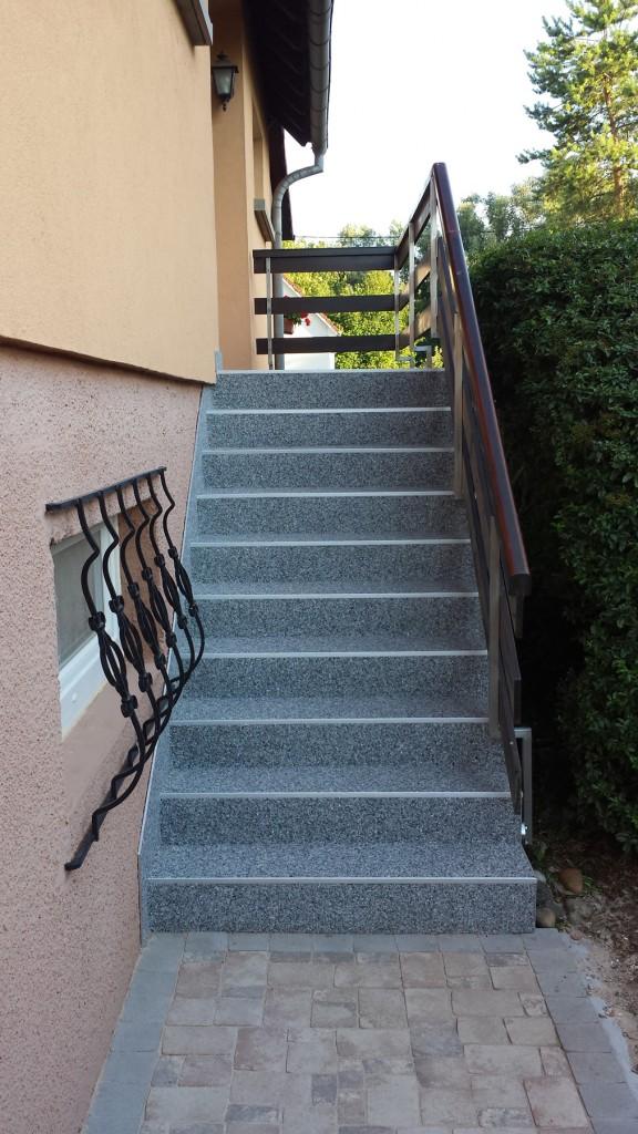 Moquette de pierre - Escalier avant après 02